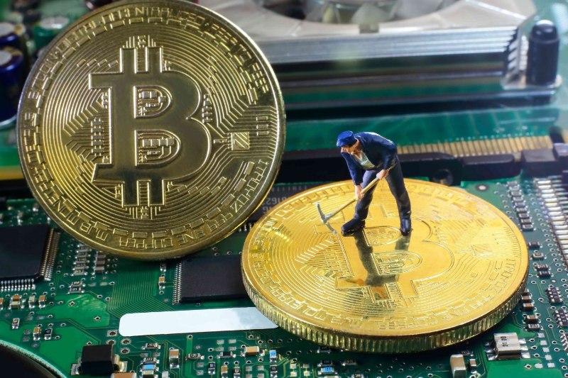 Tim-hieu-dao-bitcoin-la-gi-