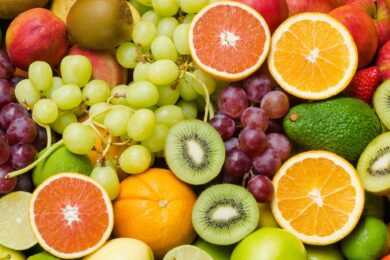Mơ thấy trái cây đánh con gì?